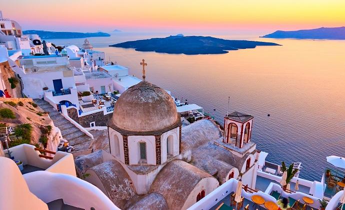 Trasferirsi in Grecia in pensione: Nicoletta ci racconta Santorini